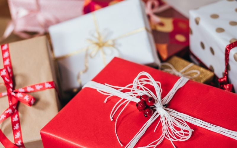 12 Best Non-Toy Christmas Gift Ideas For Kids